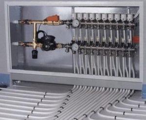 Коллектор для подключения до 7 отопительных контуров